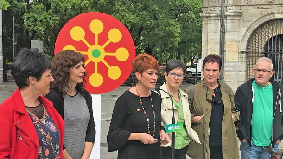 """Bakartxo Ruiz: """"Pertsona guztiek eskubide guztiak izan ditzaten aldaketan sakondu beharra dago"""""""